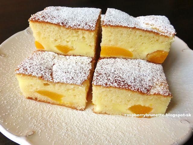 Raspberrybrunette: Jemný ovocný koláč s kyslou smotanou    Vynikajúci...