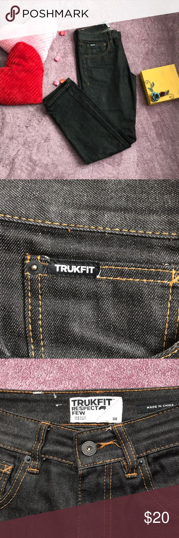 Men's TruckFit Jeans Worn Once Great condition  No flaws Dark denim Lil Wayne's Brand truckfit Jeans Slim Straight