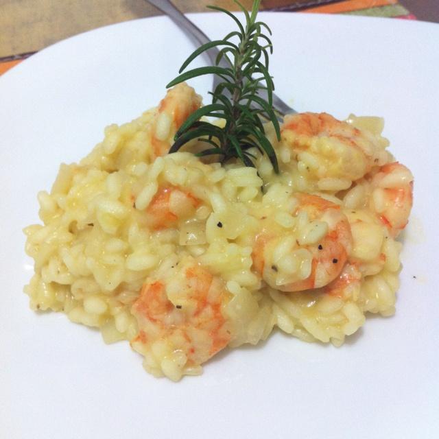 Risoto de camarão com limão siciliano