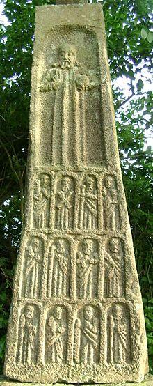 La croix des 12 Apôtres à Logonna-Daoulas (Finistère) | Finistère Bretagne | #myfinistere