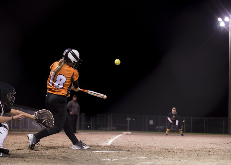 Women's Varsity Softball.