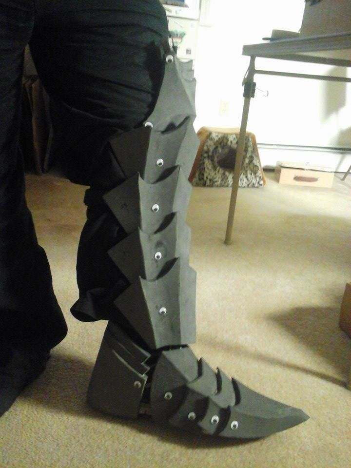 Berserk Guts' Wolf Armor Shins, Boots, Knees ! by typhus09 ...