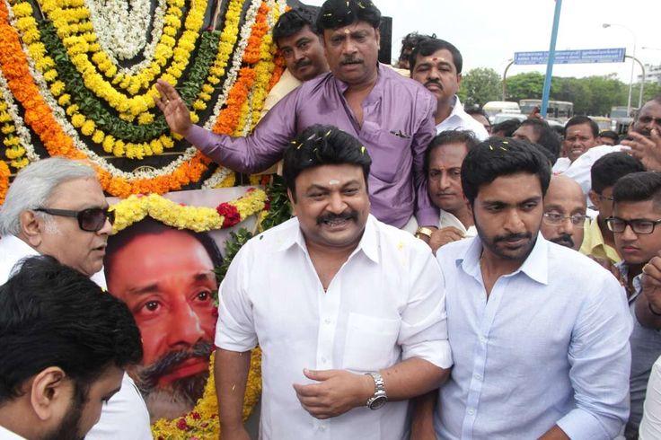 nice Actor Prabhu & Vikram Prabhu Will Shivaji Sir Statue Photos