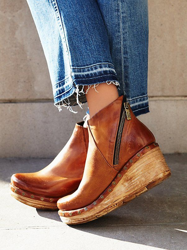 Below Sunset Clog Boot