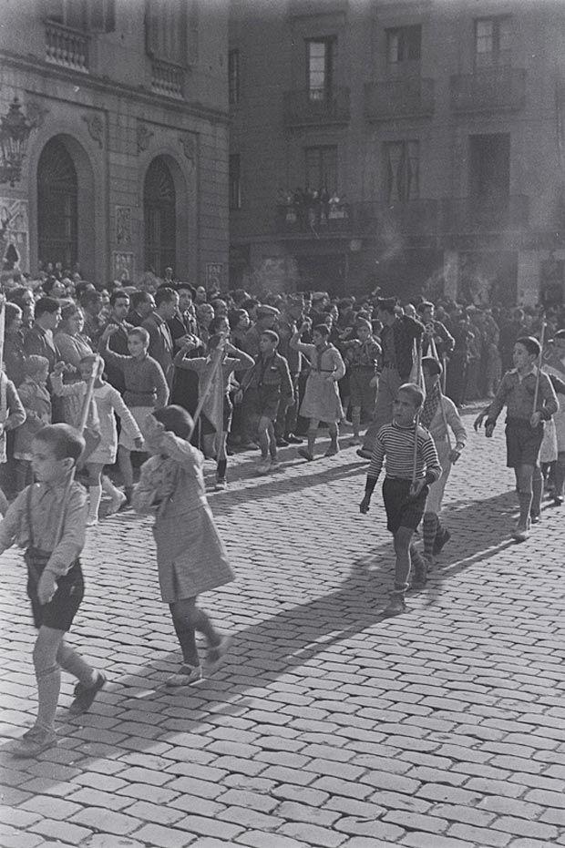 Commemoration of the Russian revolution in Plaça Sant Jaume, 8 Nov. 1936
