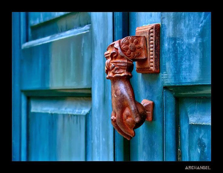 ΤΟ ΓΑΛΑΞΙΔΙ: Πορτες σφαλιστες...