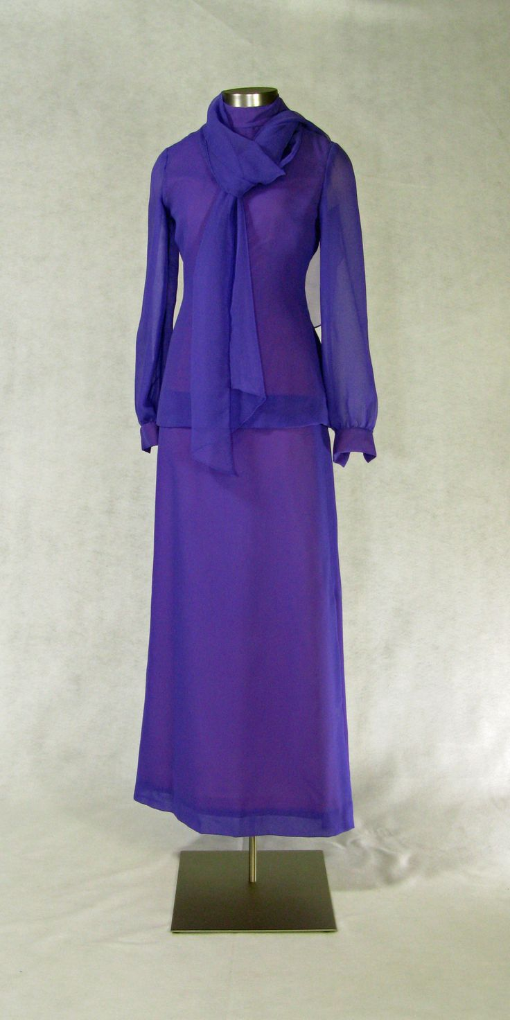 Betty Ford wore this purple chiffon gown with scarf, for a photograph with the White House Social Aides, 2/5/1975; at her birthday party at the Kennedy Center, 4/8/1975; and at the 61st Annual White House Correspondents Association Dinner at the Washington Hilton, 5/3/1975