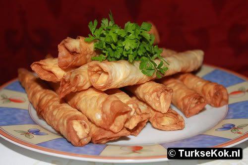 sigara böregi turkse recepten yemek tarifleri turkish recipes Heerlijk gevuld met feta en vaak wat peterselie