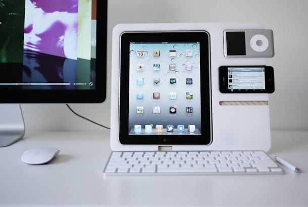 アップルガジェットがいろいろ収まるスタンドケース | roomie(ルーミー)