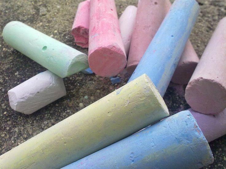 Rezepte für Zaubersand, Knete, Kreide, Salzteig, Fingermalfarben, Kinderschminke und Farben