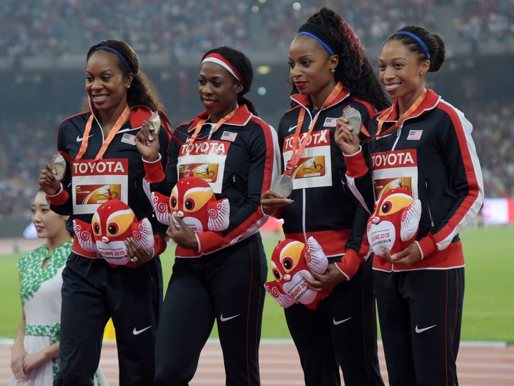 The United States women's 4 x 400m relay team (from left to right) Sanya Richards-Ross, Francena McCorory, Natasha Hastings and Allyson Felix pose with silver medals.  Kirby Lee, USA TODAY Sports