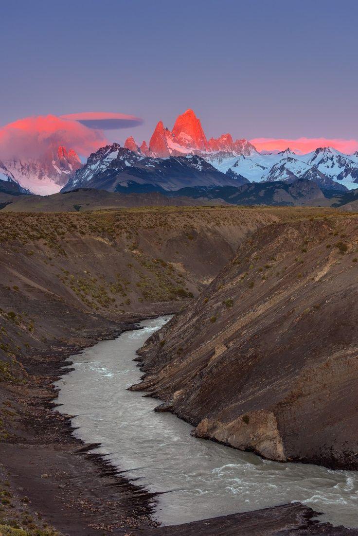 Sunrise - Salida del sol, monte Fitz Roy, Santa Cruz, AR / por Evgeny Tchebotarev en 500px