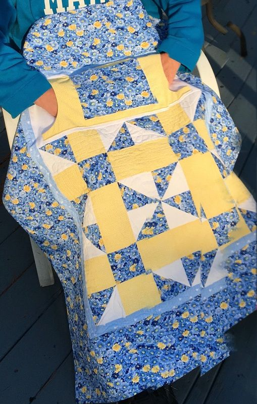 Blue and Yellow Lovie Lap Quilt with Pockets from http://www.homesewnbycarolyn.com