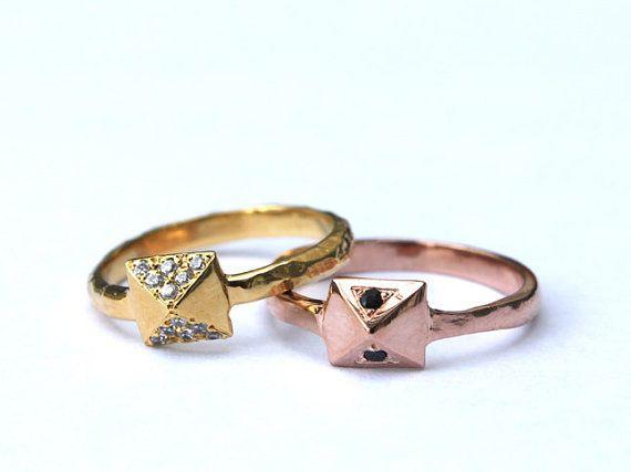 pyramid ring: Studs Rings, 14K Gold, Pyramid Diamonds, Crystals 14K, Style Jewelry, Gold Dips, Pyramid Studs, Tiny Armour, Amazing Jewelry