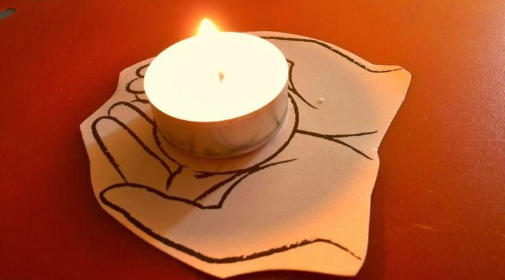 La Benedizione vera, nel profondo dell'anima,senza finzioni, buonismi, benpensanismi, salva la vita nel profondo. Veramente. Buonanotte. E Buongiorno.[http://lascrivania.com/2014/10/10/risvegli/]
