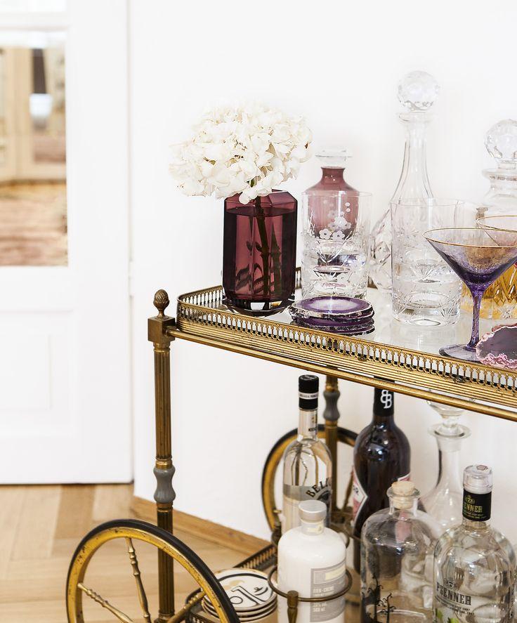 60 best barwagen styling inspirationen f r die hausbar images on pinterest bar cart flowers. Black Bedroom Furniture Sets. Home Design Ideas