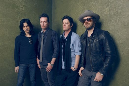 awesome Scott Weiland and The Wildabouts guitarist Jeremy Brown dies Check more at http://worldnewss.net/scott-weiland-and-the-wildabouts-guitarist-jeremy-brown-dies/