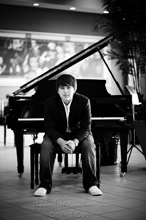 senior portraits... at the piano! http://www.piperdellanphotography.com/blog/?tag=teen-portraits