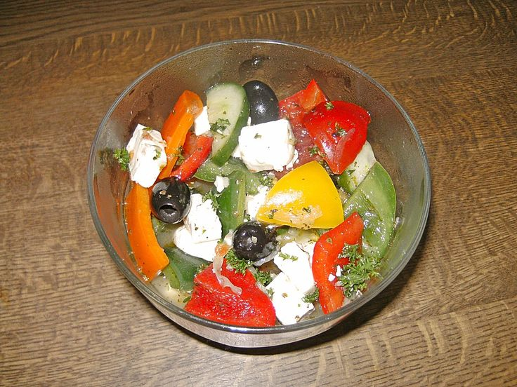 Griechischer Salat, ein leckeres Rezept aus der Kategorie Vegetarisch. Bewertungen: 5. Durchschnitt: Ø 4,0.