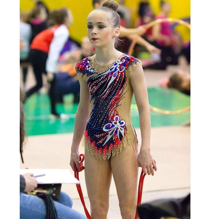 #ФевральскаяКапельСПб #фотокустова #художественнаягимнастика #разминка #скакалка