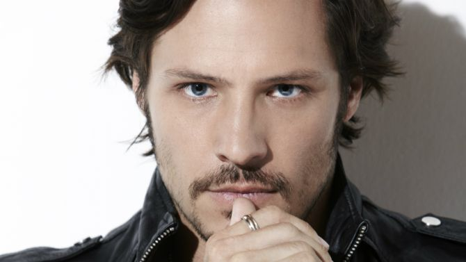Recon: Nick Wechsler Cast in Fox Pilot from Caroline Dries, Kevin ...