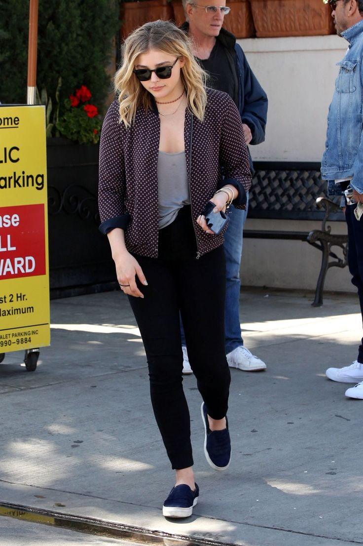 chloë-grace-moretz-lunch-at-il-pastaio-restaurant-in-los-angeles-4-4-2016-6.jpg (1280×1924)
