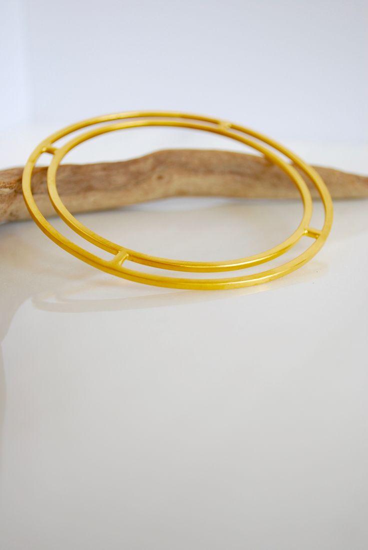 Minimaist geometric bracelet by Auralism