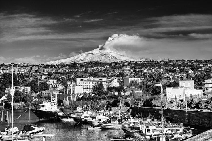 Etna vista dal porticciolo di Ognina - Catania by Mirko Chessari on 500px