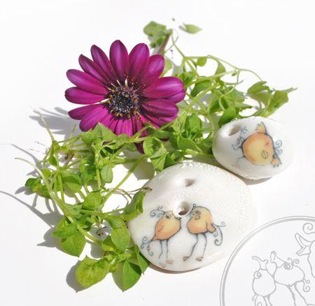 Dugle porcelain buttons. With each piece you shop from the Duglebirds /Duglefuglene yopu get an original watercolor by Lynn Moltzau.  Visit http://eplamarked.epla.no