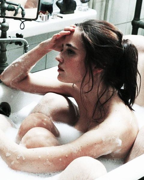 The Dreamers 2003 (Italy) Director, Bernardo Bertolucci Eva Green . . . #thedreams#bernardobertolucci#italianfilmdirector#thedream #italiancinema#evagreen#director#italianfilm #actress#model#modelactress#cinemaitaly#frenchactress#italy #france #theatreactress#fashionmodelactress#photocollection