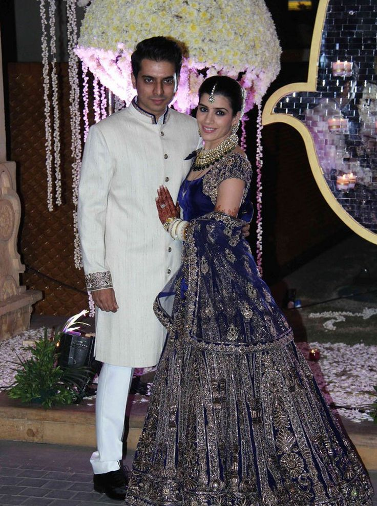 at her reception @riddhimalhotra (w/ hubby Tejas) looked amazing in a gorgeous creation by her mentor @ManishMalhotra1 http://www.ManishMalhotra.in/landing/