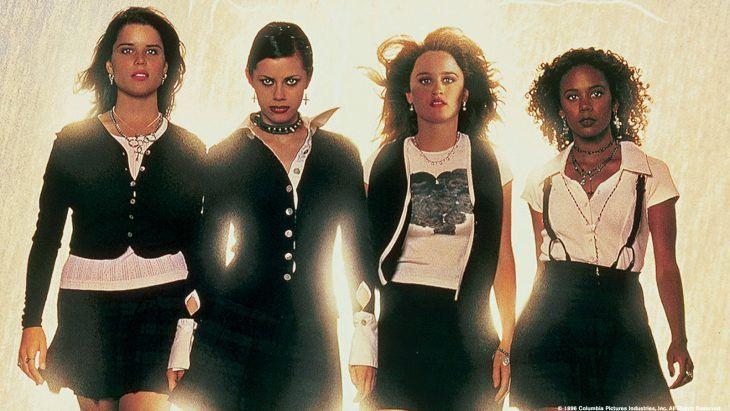 Vanessa Hudgens se disfraza de Jóvenes Brujas y este Halloween no podría ser mejor