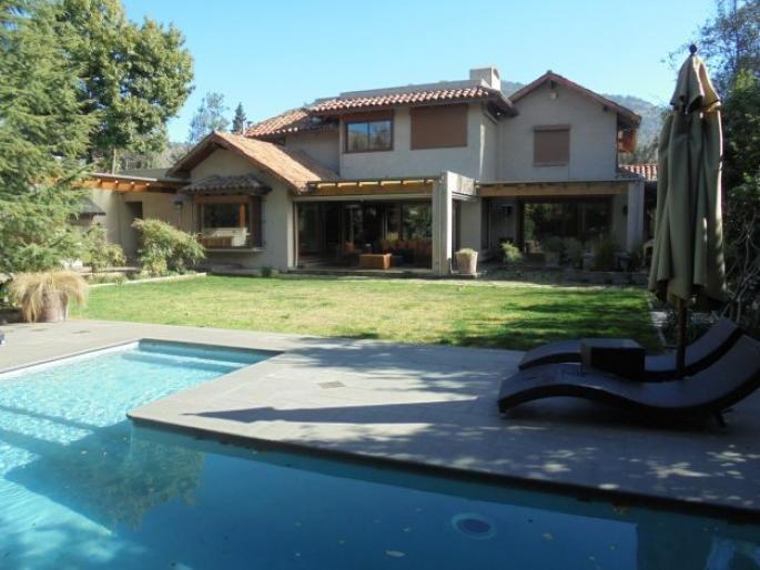 Estupenda casa para familia numerosa Informe de Engel & Völkers | T-1423278 - ( Chile, Región Metropolitana de Santiago, Lo Barnechea, Golf De Manquehue )