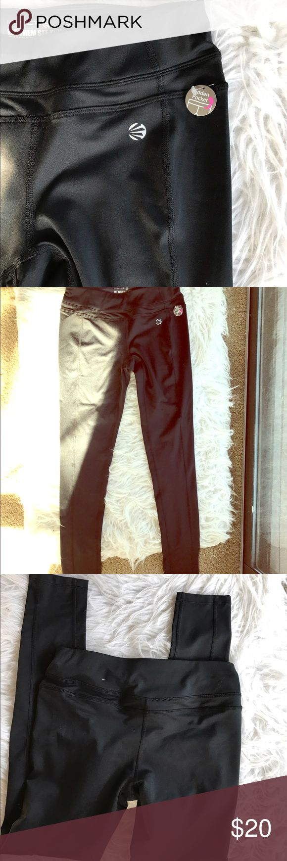 """🆕 ᎫᎥℓℓᎥΔП мᎥζℌΔΣℓᴤ workout pants nwt Cute and comfy! Hidden pocket. Price tag fell off but still has the """"hidden pocket"""" tag attached. Polyester and spandex blend. Brand is impact by Jillian Michaels. 🛍Bundles of 5 or more items get 50% off!-either make offer on the bundle or comment on each item you want and I'll make a separate listing!🛍 📣Buyer responsible for extra shipping when likely to be over 5 lbs 📣 ❌Absolutely no trades!❌ 🔵Color may vary in person!🔴 ◾️Serious buyers only!▪️…"""