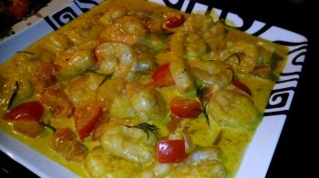 Une recette à base de curry très facile et rapide à faire. Ce plat est absolument succulent si l'on utilise de grosses crevettes.