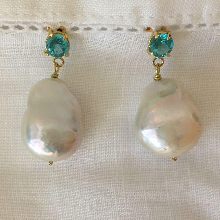 Brincos Lua Azul apatitas, pérolas barrocas - ouro 18k