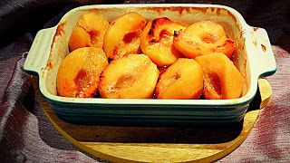 NOVEMBER  Chez Maximka: Roast quinces with vanilla syrup