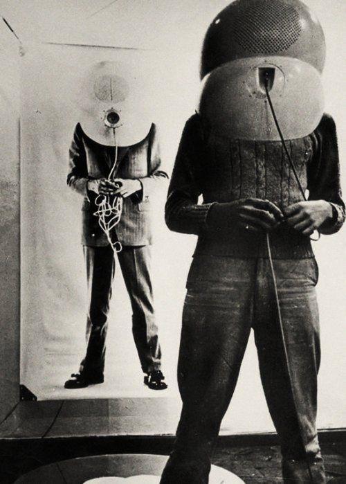 retro_futurism: TV Helmet (The Portable Living Room) by Walter Pichler, 1967