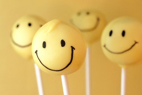 Happy cake pops!!