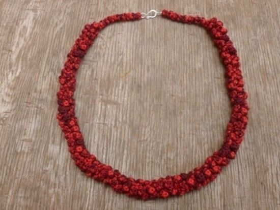 Cluster necklace #Handmade #Sweing #Red #Buttons #Necklace #Morocco