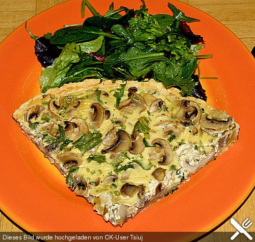 http://www.chefkoch.de/rezepte/1233811228318955/Champignon-Quiche.html
