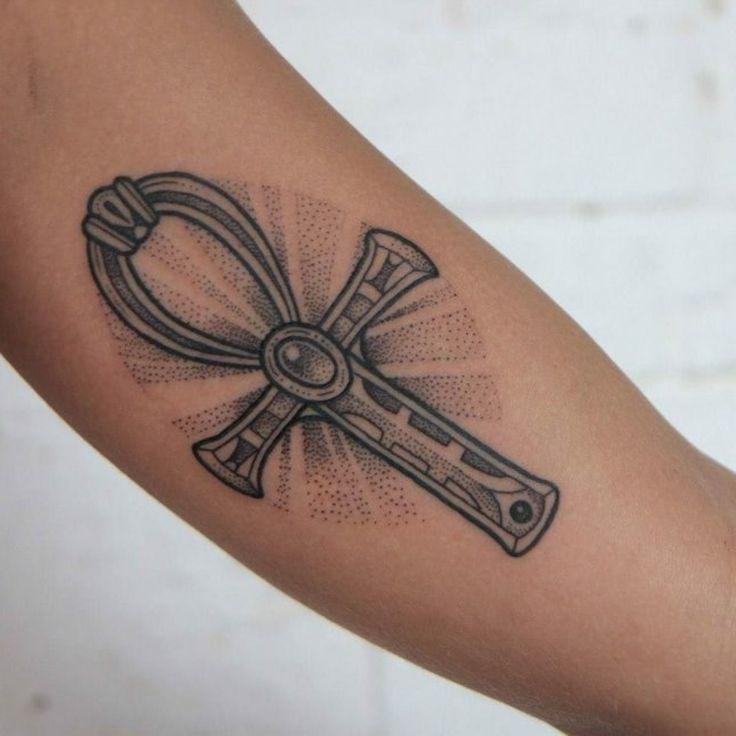 Ankh Tattoo - ein Symbol der Wiedergeburt