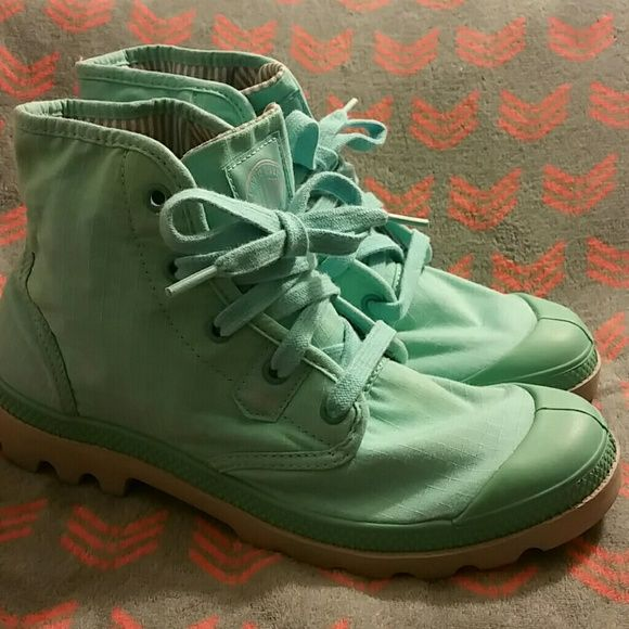 Teal Palladium Boots size 9.5 Lightweight Palladium Boots, has faint stain on back, tried to show in pic, but it does not show up. Palladium Shoes