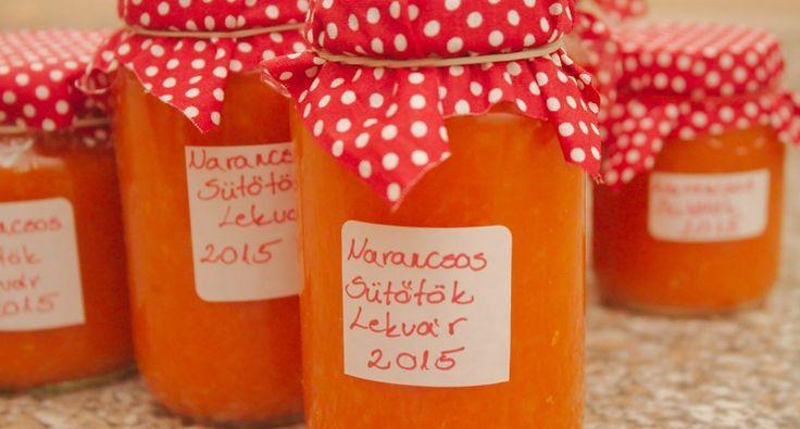 Narancsos sütőtök lekvár recept: Egy rendkívül finom sütőtöklekvár recept ez, naranccsal ízesítve. Nincs is jobb reggeli egy saját főzésű házi lekvárnál, vajas kalácsra kenve! :)