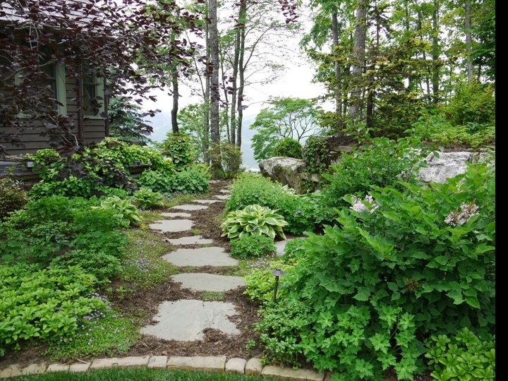 Garden path step stone45 best Paths   Stepping Stones images on Pinterest   Landscaping  . Garden Paths And Stepping Stones. Home Design Ideas