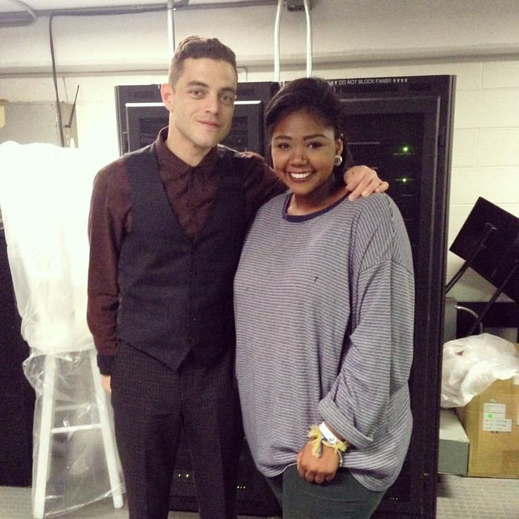 """Sydney Bell on Instagram: """"I had the amazing opportunity to meet, converse, and be the photographer for Rami Malek from the phenomenal series Mr. Robot during his Q&A at Saint Francis College❤️ #MrRobot #eliot #RamiMalek"""""""