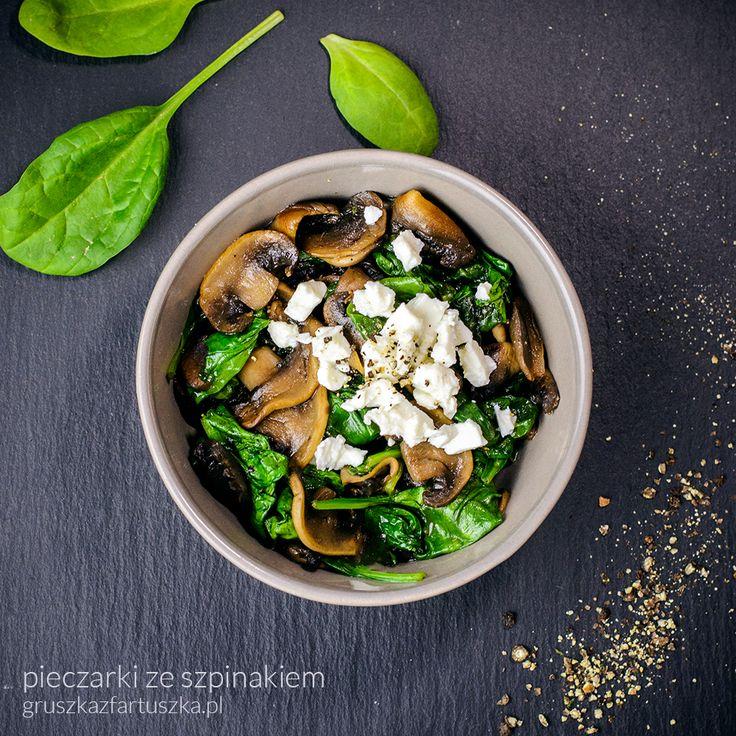 Przepis na dietetyczną kolację - pieczarki ze szpinakiem i fetą. Coś delikatnego i lekkostrawnego!