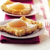 Recept - Bladerdeegtaartjes met gele room en perzik - Allerhande