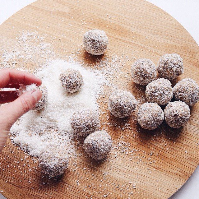 Coconut and Macadamia Bliss Balls / The Stable Co