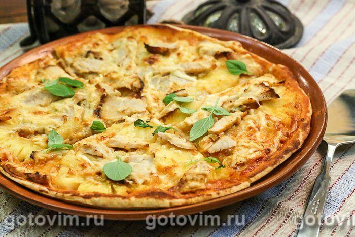 Пицца с курицей и ананасами. Фотография рецепта